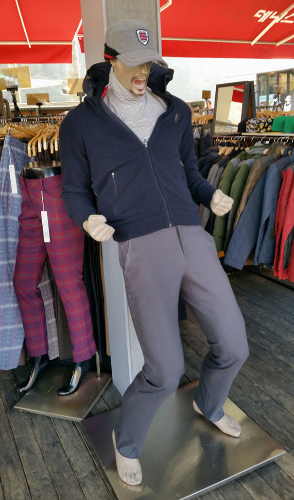 funny-mannequins-28-5ab3be5c12725__605.jpg