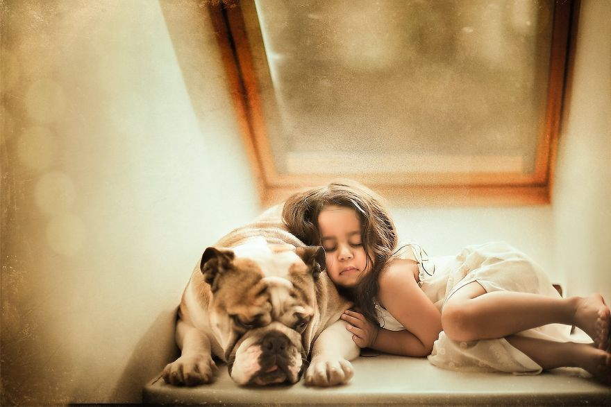 I-tried-photographing-my-daughter-and-my-dog-It-almost-led-to-a-divorce-58e75d53311cd__880.jpg